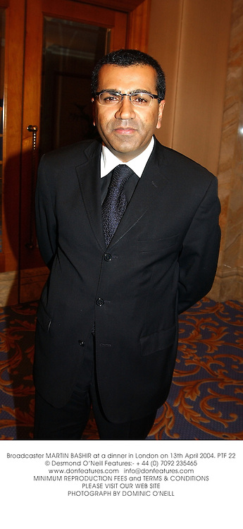 Broadcaster MARTIN BASHIR at a dinner in London on 13th April 2004.PTF 22