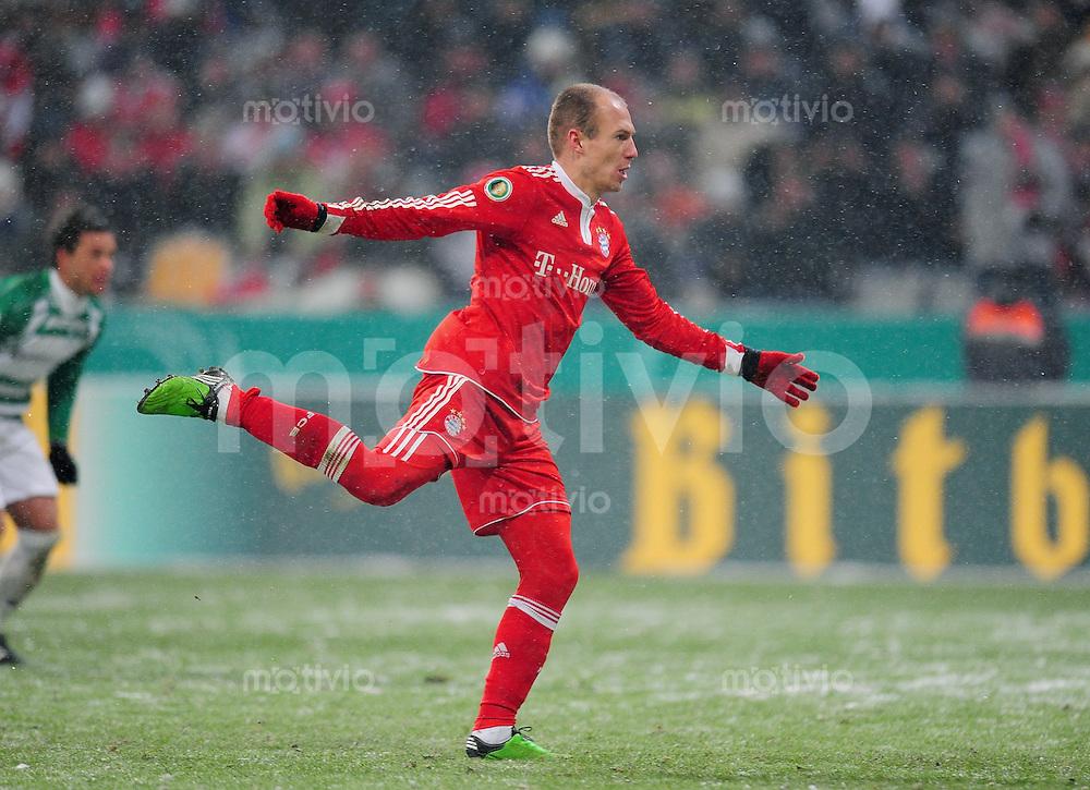 Fussball :  Saison   2009/2010   DFB Pokal  Viertelfinale  10.02.2010 FC Bayern Muenchen - Spvgg  Greuther Fuerth   Arjen Robben  (FCB)