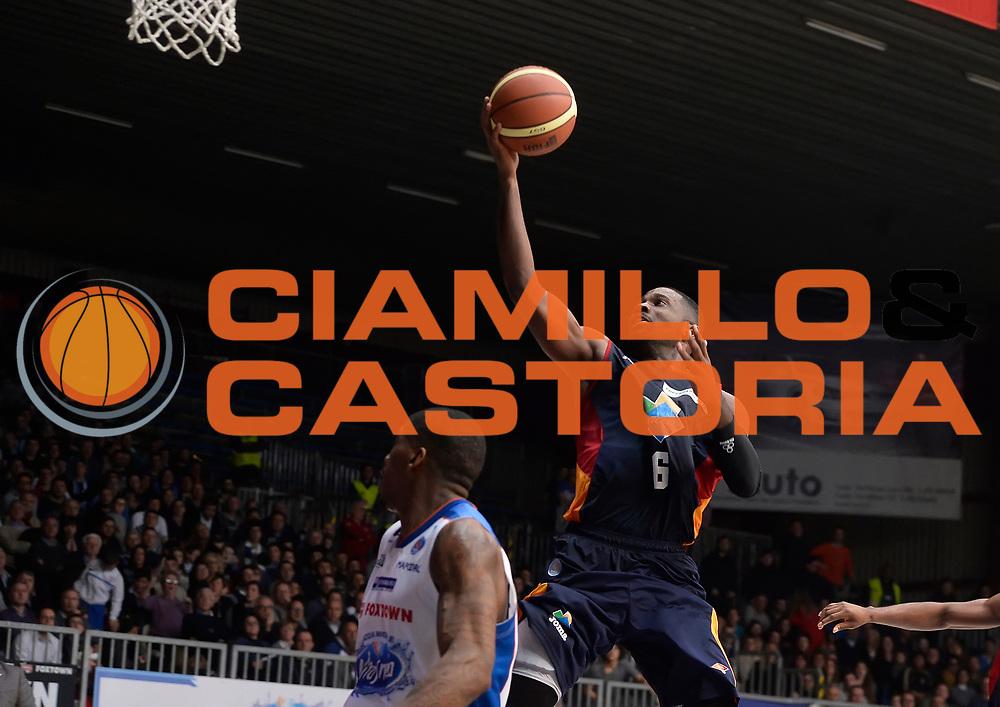 DESCRIZIONE : Cantu' Lega A 2014-2015 Acqua Vitasnella Cantu' Acea Virtus Roma<br /> GIOCATORE : Bobby Jones<br /> CATEGORIA : tiro penetrazione<br /> SQUADRA : Acea Virtus Roma<br /> EVENTO : Campionato Lega A 2014-2015<br /> GARA : Acqua Vitasnella Cantu' Acea Virtus Roma<br /> DATA : 11/01/2015<br /> SPORT : Pallacanestro<br /> AUTORE : Agenzia Ciamillo-Castoria/R.Morgano<br /> GALLERIA : Lega Basket A 2014-2015<br /> FOTONOTIZIA : Cantu' Lega A 2014-2015 Acqua Vitasnella Cantu' Acea Virtus Roma<br /> PREDEFINITA :