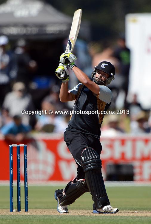 New Zealand batsman Anton Devcich in action. Twenty20 Cricket. England v NZ XI. England Cricket tour to New Zealand. Cobham Oval. Whangarei, New Zealand on Wednesday 6 February 2013. Photo: Andrew Cornaga/Photosport.co.nz
