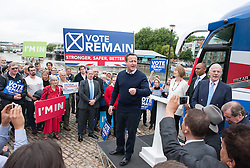 © Licensed to London News Pictures.22/06/2016. Bristol, UK.  EU Referendum; The Vote Remain campaign by Bristol dockside on the last day of campaigning in the EU Referendum, with Prime Minister DAVID CAMERON, former Conservative Prime Minister JOHN MAJOR, and former Labour leader HARRIET HARMAN. Photo credit : Simon Chapman/LNP