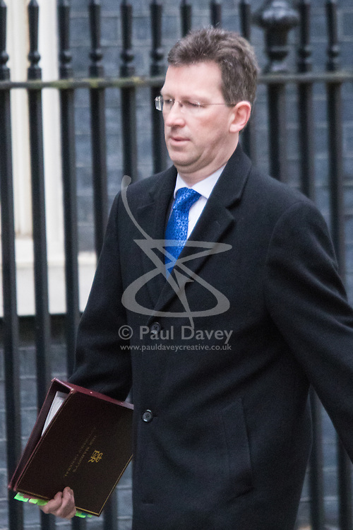 Downing Street, London, February 9th 2016.  Attorney General Jeremy Wright QC MP arrives in Downing Street for the weekly cabinet meeting. ///FOR LICENCING CONTACT: paul@pauldaveycreative.co.uk TEL:+44 (0) 7966 016 296 or +44 (0) 20 8969 6875. ©2015 Paul R Davey. All rights reserved.