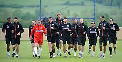 19.05.2010, Arena, Irdning, AUT, FIFA Worldcup Vorbereitung, Training England, im Bild die Englische Nationalmannschaft beim Aufwärmen, EXPA Pictures © 2010, PhotoCredit: EXPA/ S. Zangrando / SPORTIDA PHOTO AGENCY