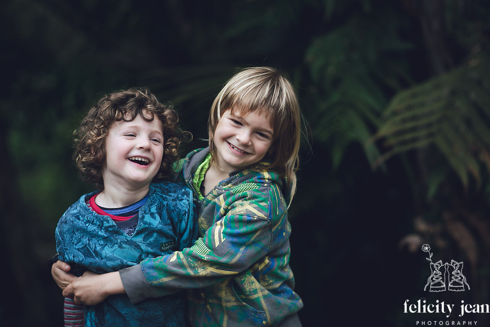 portraits taken in kuaotunu for stefanie and her boys photography by felicity jean photography coromandel photographer kuaottunu based