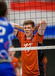 28-08-2016 NED: Nederland - Slowakije, Nieuwegein<br /> Het Nederlands team heeft de oefencampagne tegen Slowakije met een derde overwinning op rij afgesloten. In een uitverkocht Sportcomplex Merwestein won Nederland met 3-0 van Slowakije / Michael Parkinson #17