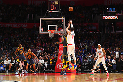 STYLEPREPENDLOS ANGELES, CA - NOVEMBER 12: Los Angeles Clippers Forward Danilo Gallinari (8) shoots over Golden State Warriors Forward Draymond Green (23) as the shot clock winds down during a NBA game between the Golden State Warriors and the Los Angeles Clippers on November 12, 2018 at STAPLES Center in Los Angeles, CA. (Photo by Brian Rothmuller/Icon Sportswire) (Credit Image: © Brian Rothmuller/Icon SMI via ZUMA Press)