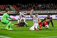 ROTTERDAM - Excelsior - Willem II , Voetbal , Eredivisie , Seizoen 2016/2017 , Stadion Woudestein , 25-02-2017 , kans van Excelsior speler Nigel Hasselbaink (r) in duel met Willem II speler Jordens Peters (l)