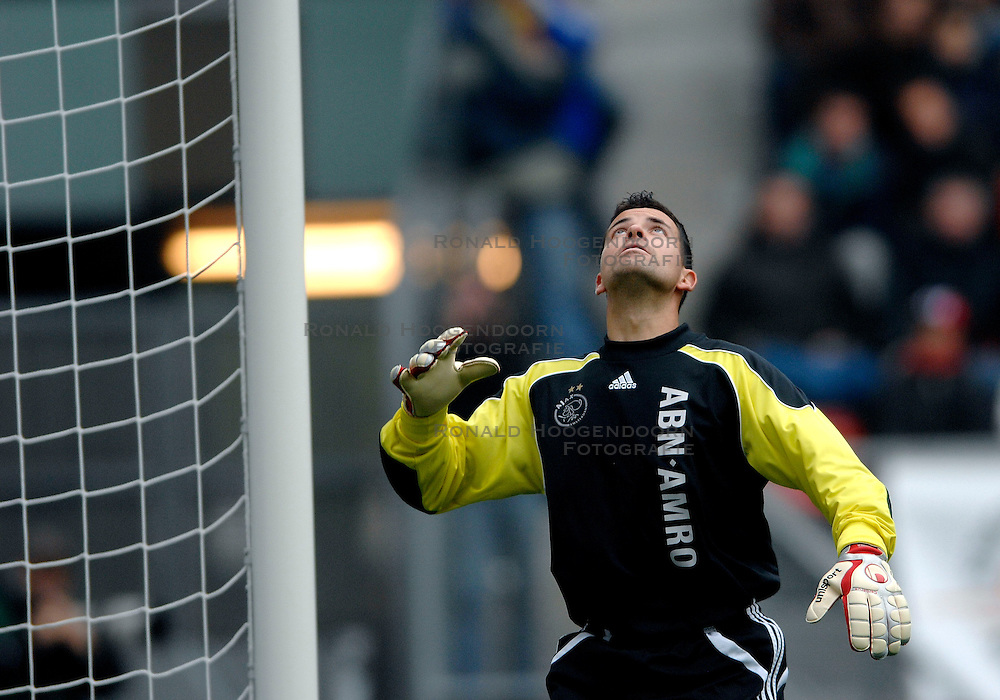 28-10-2007 VOETBAL: FC UTRECHT - AJAX: UTRECHT<br /> Ajax wint met 1-0  van Utrecht / Dennis Gentenaar<br /> &copy;2007-WWW.FOTOHOOGENDOORN.NL