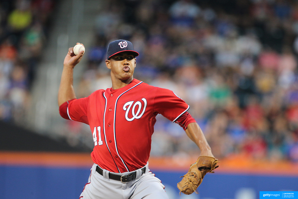 Pitcher Joe Ross, Washington Nationals, pitching during the New York Mets Vs Washington Nationals, MLB regular season baseball game at Citi Field, Queens, New York. USA. 1st August 2015. (Tim Clayton for New York Daily News)
