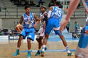 DESCRIZIONE : Final Eight Coppa Italia 2015 Desio Quarti di Finale Dinamo Banco di Sardegna Sassari - Vanoli Cremona<br /> GIOCATORE : Edgar Sosa<br /> CATEGORIA : palleggio blocco<br /> SQUADRA : Banco di Sardegna Sassari<br /> EVENTO : Final Eight Coppa Italia 2015 Desio<br /> GARA : Dinamo Banco di Sardegna Sassari - Vanoli Cremona<br /> DATA : 20/02/2015<br /> SPORT : Pallacanestro <br /> AUTORE : Agenzia Ciamillo-Castoria/Max.Ceretti