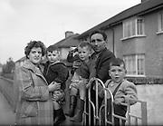 29/09/1960<br /> 09/29/1960<br /> 29 September 1960<br /> Sheridan family house fire at Walkinstown, Dublin. Mr and Mrs Thomas Sheridan and children James (2), Edward (3) and Tom (4) after the fire.
