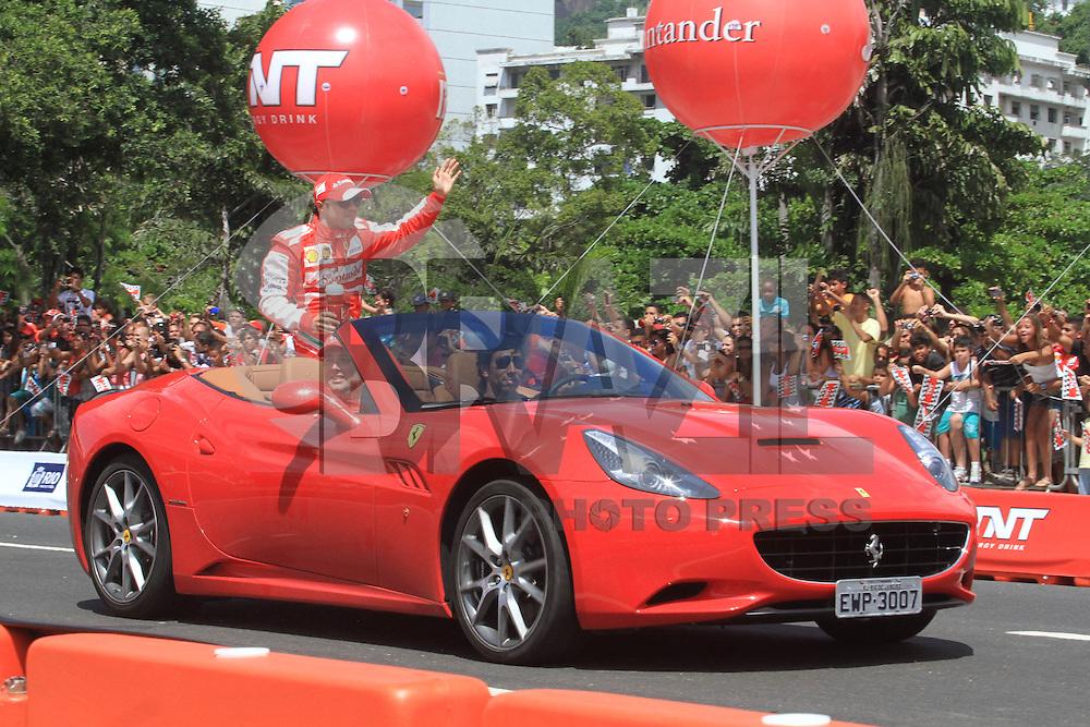 RIO DE JANEIRO, RJ, 10 DE MARÇO DE 2013, FELIPE MASSA RIO DE JANEIRO O piloto de Fórmula 1, Felipe Massa, durante o TNT Street Race no circuito no Aterro do Flamengo, no Rio de Janeiro, RJ, neste domingo (10). FOTO: THIAGO LOUZA / BRAZIL PHOTO PRESS