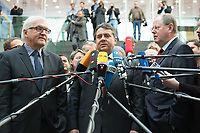 """15 MAY 2012, BERLIN/GERMANY:<br /> Frank-Walter Steinmeier (L), SPD Fraktionsvorsitzender, Sigmar Gabriel (M), SPD Parteivorsitzender, Peer Steinbrueck (R), SPD, Bundesminister a.D., beantworten nach der Pressekonferenz zum Thema """" Der Weg aus der Krise – Wachstum und Beschäftigung in Europa"""" noch weitere Fragen von Journalisten, Bundespressekonferenz<br /> IMAGE: 20120515-01-084<br /> KEYWORDS: Peer Steinbrück, Mikrofon, microphone"""