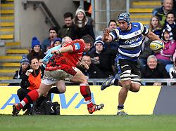 Bath's Leroy Houston hands off London Welsh's Nathan Trevett - Photo mandatory by-line: Robbie Stephenson/JMP - Mobile: 07966 386802 - 29/03/2015 - SPORT - Rugby - Oxford - Kassam Stadium - London Welsh v Bath Rugby - Aviva Premiership