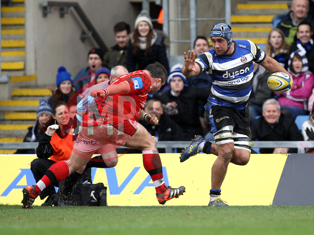 Bath's Leroy Houston hands off London Welsh's Nathan Trevett - Photo mandatory by-line: Robbie Stephenson/JMP - Mobile: 07966 386802 - 29/03/2015 - SPORT - Rugby - Oxford - Kassam Stadium - London Welsh v Bath Rugby - Aviva Premiership
