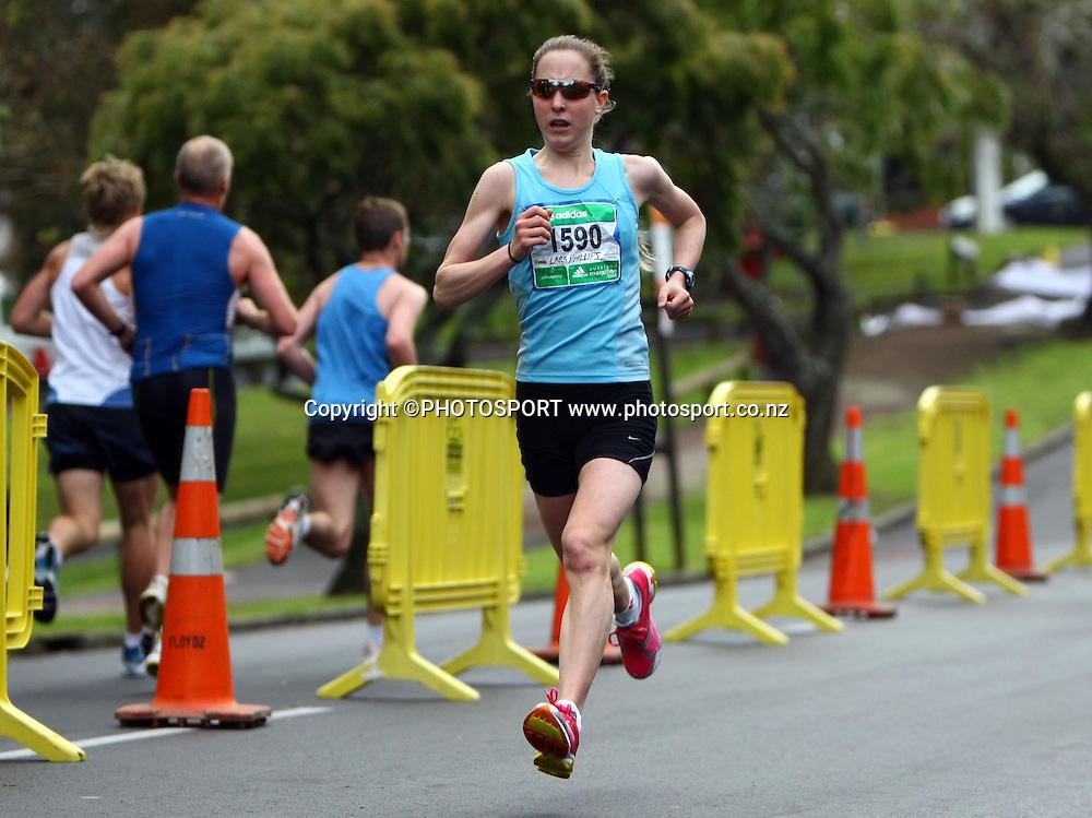 Lara Philips.<br />Adidas Auckland Marathon, Sunday 2 November 2008. Photo: Renee McKay/PHOTOSPORT