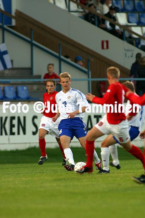 06.09.2002, Valkeakoski, Finland..UEFA Under-21 European Championship Qualifying match, Finland v Wales..Juho M?kel? - Finland.©Juha Tamminen