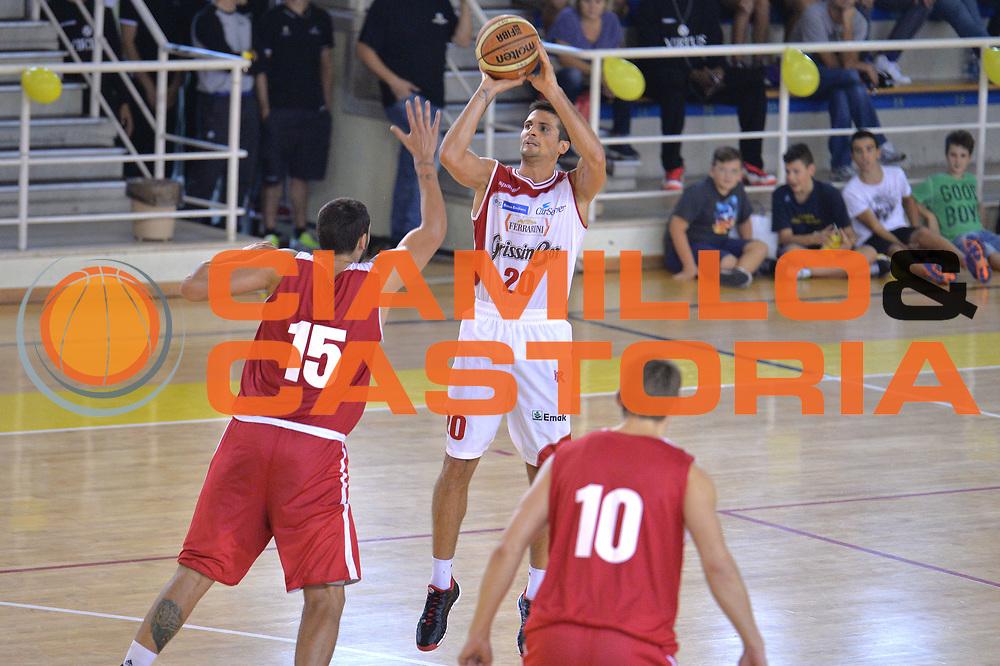 DESCRIZIONE : Viadana Trofeo del 50' esimo Lega A 2014-15 Gissin Bon Reggio Emilia vs Dinamica Mantova <br /> GIOCATORE : Cinciarini Andrea<br /> CATEGORIA : Tiro<br /> SQUADRA : Grissin Bon Reggio Emilia<br /> EVENTO :Torneo del 50'esimo<br /> GARA : Gissin Bon Reggio Emilia vs Dinamica Mantova <br /> DATA : 20/09/2014 <br /> SPORT : Pallacanestro <br /> AUTORE : Agenzia Ciamillo-Castoria/I.Mancini<br /> Galleria : Lega Basket A 2014-2015 Fotonotizia : Torneo del 50'esimo Lega A 2014-15 Gissin Bon Reggio Emilia vs Dinamica Mantova <br /> Predefinita :