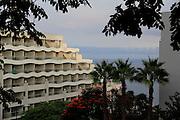 Promenade at the beach. Lido-Walk at sun-set. Funchal, Madeira. Hotel-Zone. © Romano P. Riedo | fotopunkt.ch
