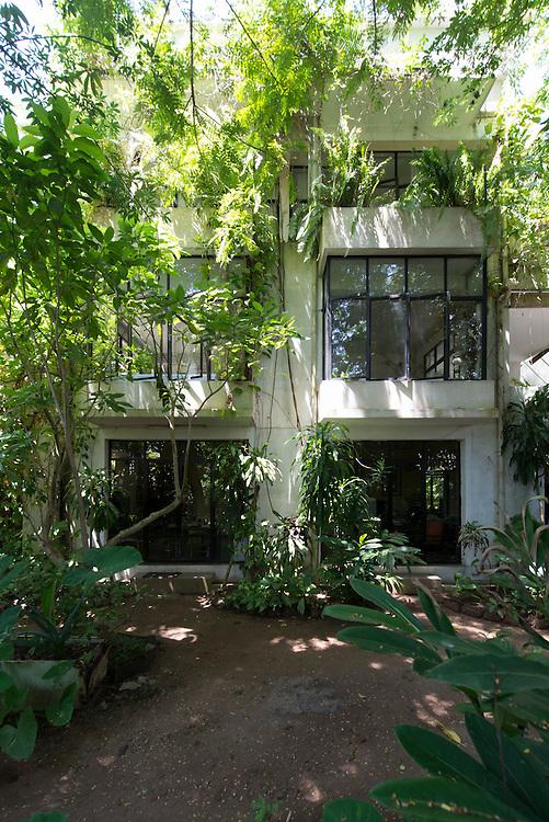 Chlo&eacute; de Soysa House<br /> Dharmapala Mawatha<br /> Colombo, Sri Lanka.<br /> Date 1987