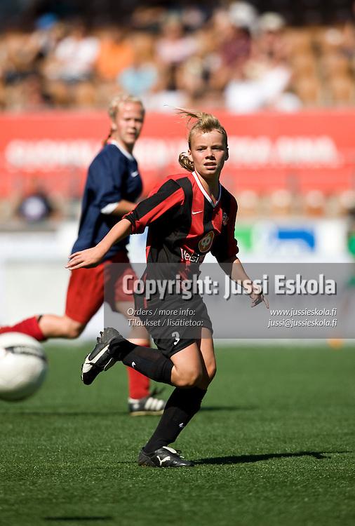 TC 14 PK-35 - PuiU. Helsinki Cup 11.7.2008. Photo: Jussi Eskola