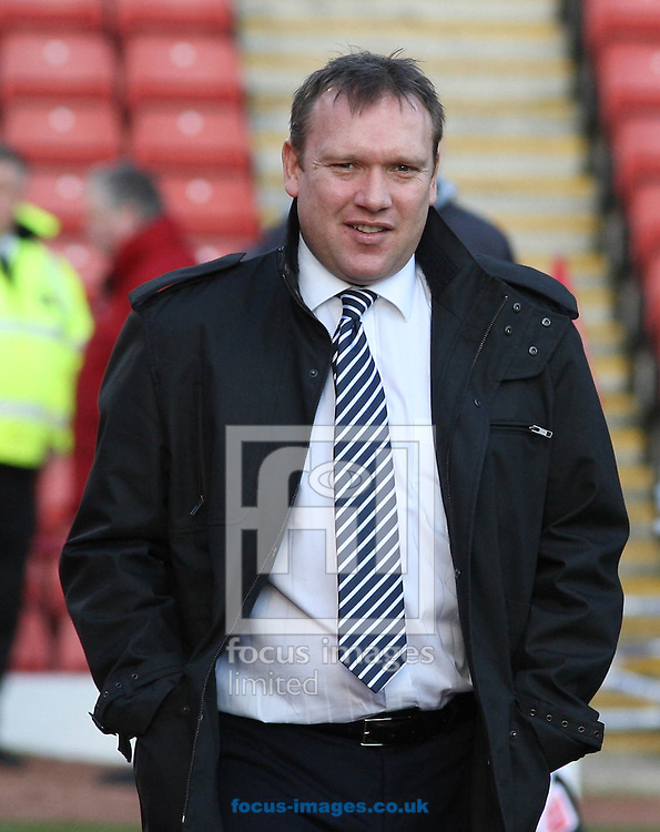 Barnsley - Saturday 21st February 2009 : Simon Davey the Manager of Barnsley during the Coca Cola Championship match at Oakwell, Barnsley. (Pic by Steven Price/Focus Images)