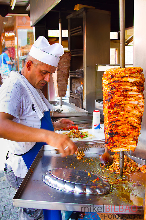 Man preparing döner kebab. Side. Province of Antalya. Mediterranean coast. Turkey