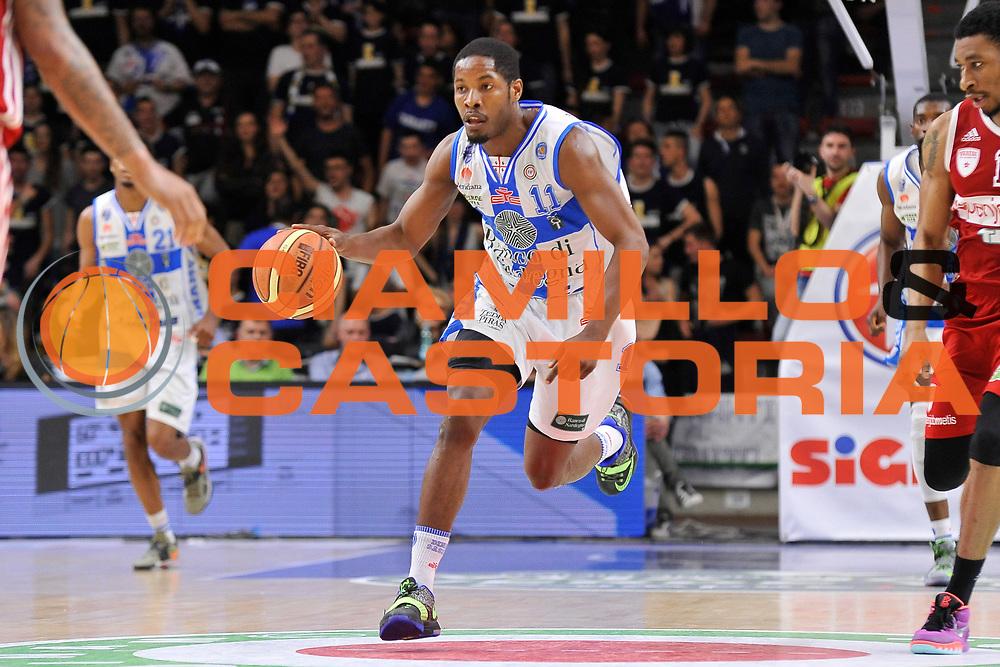 DESCRIZIONE : Campionato 2014/15 Dinamo Banco di Sardegna Sassari - Openjobmetis Varese<br /> GIOCATORE : Jerome Dyson<br /> CATEGORIA : Palleggio Controcampo<br /> SQUADRA : Dinamo Banco di Sardegna Sassari<br /> EVENTO : LegaBasket Serie A Beko 2014/2015 GARA : Dinamo Banco di Sardegna Sassari - Openjobmetis Varese DATA : 19/04/2015 SPORT : Pallacanestro AUTORE : Agenzia Ciamillo-Castoria/C.Atzori <br /> Predefinita :
