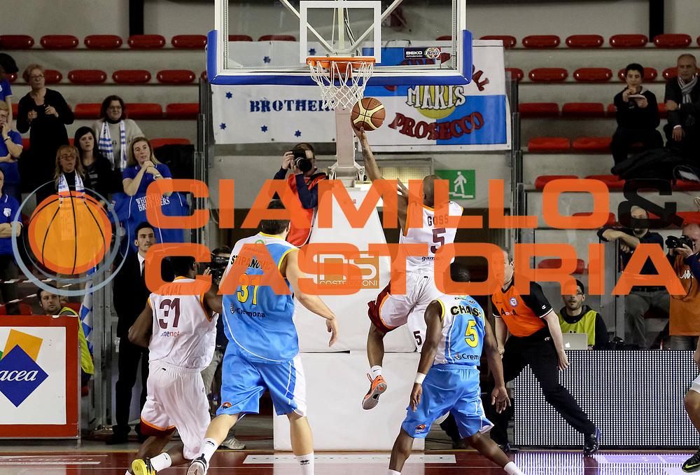 DESCRIZIONE : Roma Lega A 2012-13 Acea Virtus Roma Vanoli Cremona<br /> GIOCATORE : Phill Goss<br /> CATEGORIA : controcampo penetrazione tiro<br /> SQUADRA : Acea Virtus Roma<br /> EVENTO : Campionato Lega A 2012-2013 <br /> GARA : Acea Virtus Roma Vanoli Cremona<br /> DATA : 03/03/2013<br /> SPORT : Pallacanestro <br /> AUTORE : Agenzia Ciamillo-Castoria/N. Dalla Mura<br /> Galleria : Lega Basket A 2012-2013<br /> Fotonotizia : Roma Lega A 2012-13 Acea Virtus Roma Vanoli Cremona
