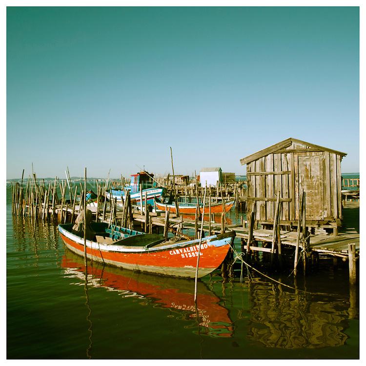 Carrasqueira stilt pier port over Sado river