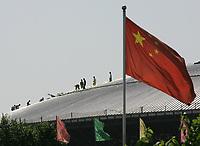 Arbeiter auf dem Dach des Velodroms. © Urs Bucher/EQ Images