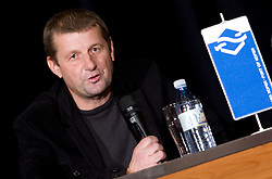 Marko Obrstar, RK Ribnica na okrogli mizi o krizi slovenskega rokometa danes, 26. oktober 2010, kongresna dvorana Mercurius, BTC City, Ljubljana, Slovenija. (Photo by Vid Ponikvar / Sportida)