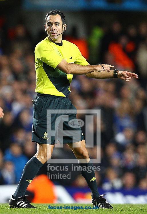 Picture by Paul Terry/Focus Images Ltd +44 7545 642257.07/11/2012.referee Carlos Velasco Carballo during the UEFA Champions League match at Stamford Bridge, London.