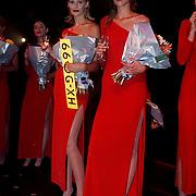 Elite Model Look of the Year 1999, winnares 1999 Annika Dop (links) en 2de prijs Linda Jeuring