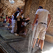 Giochi d'acqua nel NIfeo della Villa Litta Borromeo di Lainate Ninfeo della Villa Litta Borromeo a Lainate...Water games inside the Ninfeo of the Villa Litta Borromeo in Lainate