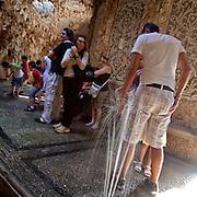 Giochi d'acqua nel NIfeo della Villa Litta Borromeo di Lainate Ninfeo della Villa Litta Borromeo a Lainate...Water games inside the Ninfeo of the Villa Litta Borromeo in Lainate