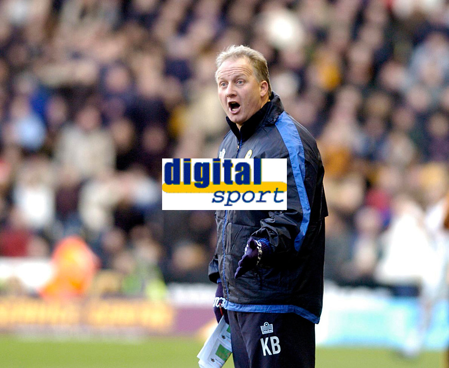 Photo: Leigh Quinnell.<br /> Wolverhampton Wanderers v Leeds United. Coca Cola Championship. 17/12/2005. Leeds boss Kevin Blackwell asks what the problem is.