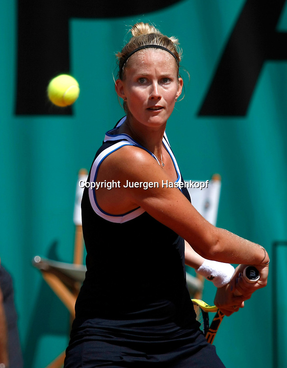 French Open 2010, Roland Garros, Paris, Frankreich,Sport, Tennis, ITF Grand Slam Tournament, ..Mathilde Johansson (FRA)..Foto: Juergen Hasenkopf..