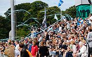 FODBOLD: Tilskuerne jubler da FC Helsingør's spillere løber på banen til kampen i ALKA Superligaen mellem FC Helsingør og FC Midtjylland den 6. august 2017 på Helsingør Stadion. Foto: Claus Birch