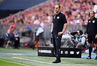Fussball  1. Bundesliga  Saison 2018/2019  3. Spieltag  FC Bayern Muenchen - Bayer 04 Leverkusen       15.08.2018 Trainer Heiko Herrlich (Bayer 04 Leverkusen) nachdenklich ----DFL regulations prohibit any use of photographs as image sequences and/or quasi-video.----