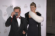 john Swannell, British Fashion Awards, V. & A. Museum. 2 November 2004. ONE TIME USE ONLY - DO NOT ARCHIVE  © Copyright Photograph by Dafydd Jones 66 Stockwell Park Rd. London SW9 0DA Tel 020 7733 0108 www.dafjones.com