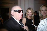 Terence Cole and Suzanna Sabet, The Royal Academy Schools dinner and auction. Royal Academy. London. 27 March 2007.  -DO NOT ARCHIVE-© Copyright Photograph by Dafydd Jones. 248 Clapham Rd. London SW9 0PZ. Tel 0207 820 0771. www.dafjones.com.