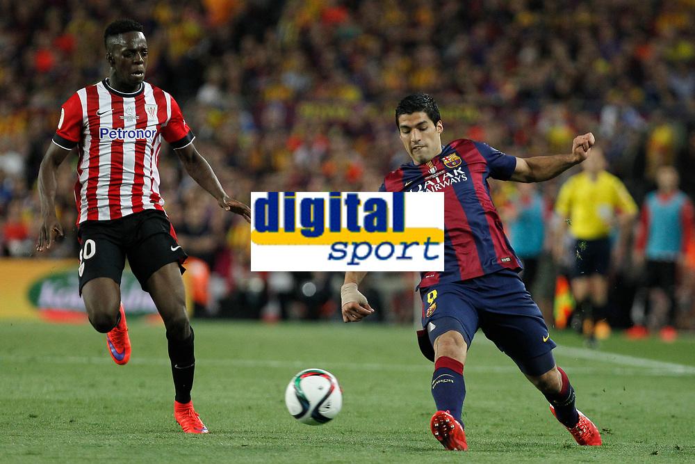 Barcelona´s Luis Suarez (R) and Athletic de Bilbao´s Inaki Williams Dannis during 2014-15 Copa del Rey final match between Barcelona and Athletic de Bilbao at Camp Nou stadium in Barcelona, Spain. May 30, 2015. (ALTERPHOTOS/Victor Blanco)