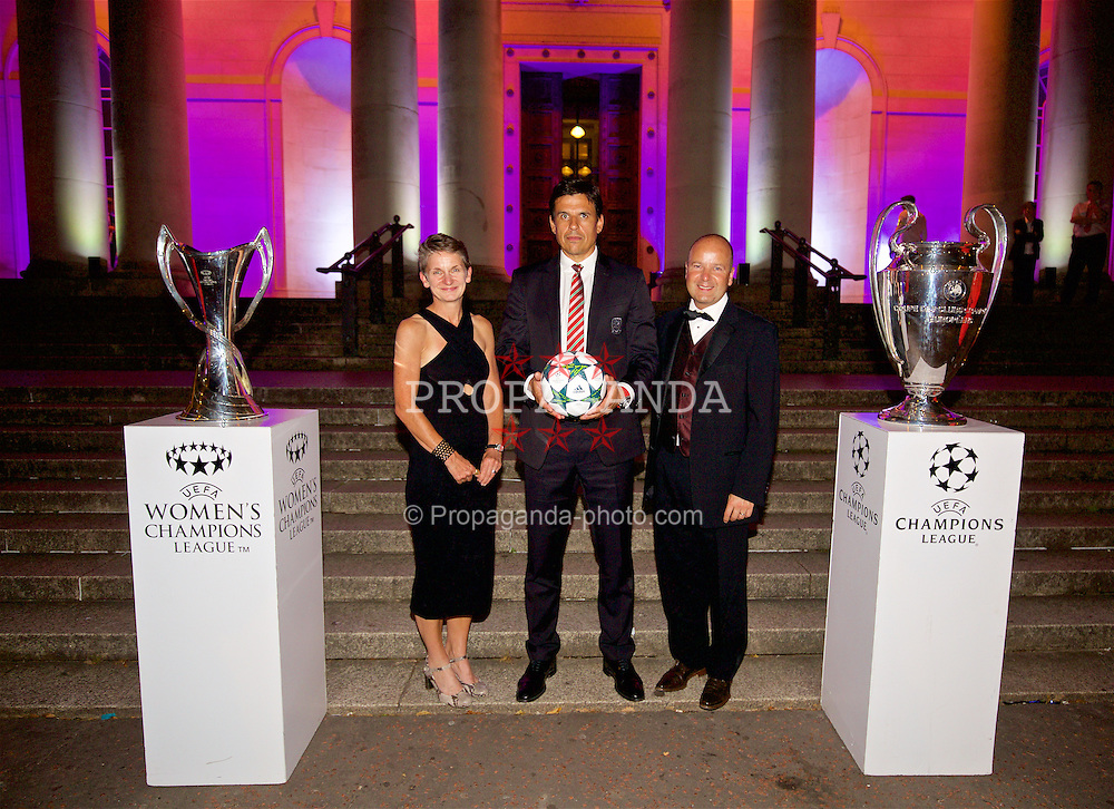 CARDIFF, WALES - Wednesday, August 31, 2016: Laura McAllister, Wales' manager Chris Coleman and FAW Chief-Executive Jonathan Ford with the European Cup trophies during a gala dinner at the Cardiff Museum to launch the UEFA Champions League Finals 2017 to be held in Cardiff. (Pic by David Rawcliffe/Propaganda)
