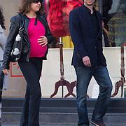 NLD/Amsterdam/20130811 - Hans Teeuwen en zwangere partner Eva,