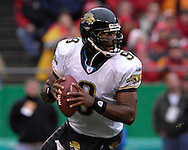 Jacksonville Jaguars quarterback David Garrard rolls out in the first half against Kansas City at Arrowhead Stadium in Kansas City, Missouri, December 31, 2006.  The Chiefs beat the Jaguars 35-30.<br />