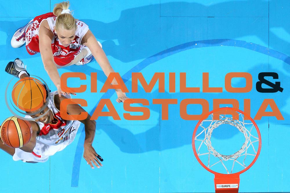 DESCRIZIONE : Riga Latvia Lettonia Eurobasket Women 2009 Semifinal Spagna Russia Spain Russia<br /> GIOCATORE : Cindy Lima<br /> SQUADRA : Spagna Spain<br /> EVENTO : Eurobasket Women 2009 Campionati Europei Donne 2009 <br /> GARA : Spagna Russia Spain Russia<br /> DATA : 19/06/2009 <br /> CATEGORIA : tiro special super<br /> SPORT : Pallacanestro <br /> AUTORE : Agenzia Ciamillo-Castoria/E.Castoria<br /> Galleria : Eurobasket Women 2009 <br /> Fotonotizia : Riga Latvia Lettonia Eurobasket Women 2009 Semifinal Spagna Russia Spain Russia<br /> Predefinita :