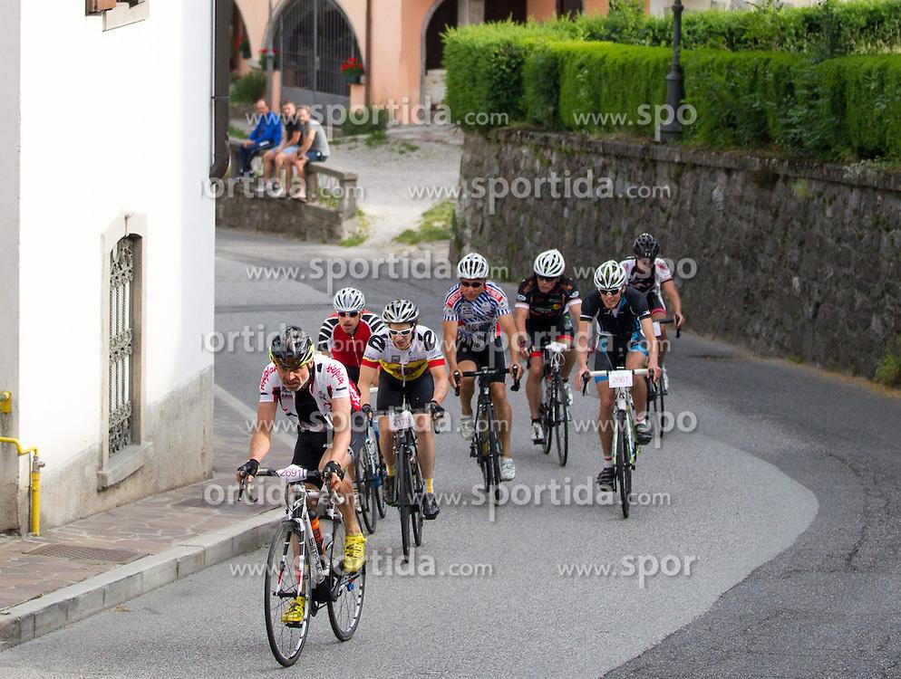 15.06.2015, Paluzza, AUT, Dolomitenradrundfahrt, SuperGiroDolomiti 2015, im Bild Ortsdurchfahrt in Paluzza. EXPA Pictures © 2015, PhotoCredit: EXPA/ Johann Groder