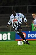 12.09.2001 Pori, Finland. Veikkausliiga, FC Jazz v Vaasan Palloseura. Adeneiyi Agbejule (VPS)..©JUHA TAMMINEN