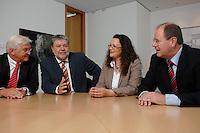 21 MAY 2007, BERLIN/GERMANY:<br /> Frank-Walter Steinmeier, SPD, Bundesaussenminister, Kurt Beck, SPD Parteivorsitzender, Andrea Nahles, MdB, SPD, Vorsitzende des Forums Demokratische Linke 21, Peer Steinbrueck, SPD, Bundesfinanzminister, (v.L.n.R.), vor einem gemeinsamen Gespraech, vor der Vorstellung der drei Kandidaten fuer den Posten des Stellvertretenden Parteivorsitzenden in den SPD-Gremien durch Beck, Buero des Parteivorsitzenden, Willy-Brandt-Haus<br /> IMAGE: 20070521-01-043<br /> KEYWORDS: Peer Steinbrück, Stellvertreter, Gruppe, Gruppenfoto, Gruppenbild, Gespräch